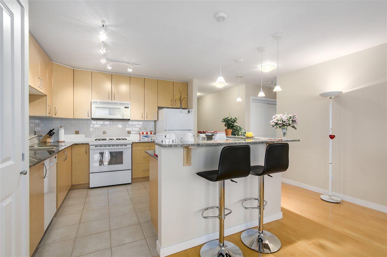 Condo Apartment at 1502 8460 GRANVILLE AVENUE, Unit 1502, Richmond, British Columbia. Image 7