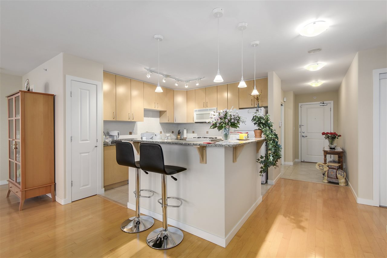 Condo Apartment at 1502 8460 GRANVILLE AVENUE, Unit 1502, Richmond, British Columbia. Image 9
