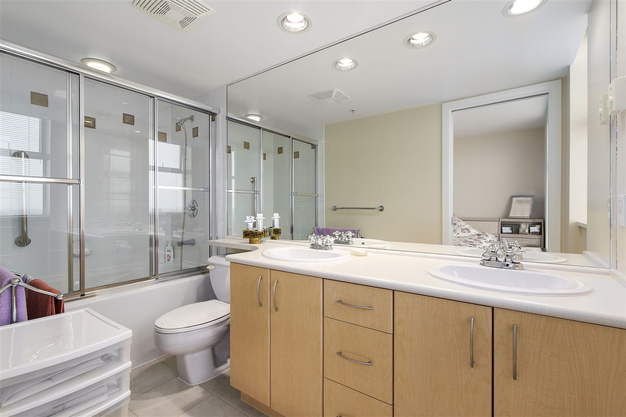 Condo Apartment at 1502 8460 GRANVILLE AVENUE, Unit 1502, Richmond, British Columbia. Image 11
