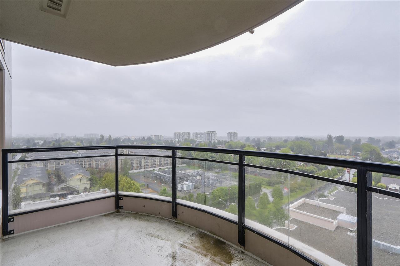 Condo Apartment at 1502 8460 GRANVILLE AVENUE, Unit 1502, Richmond, British Columbia. Image 14