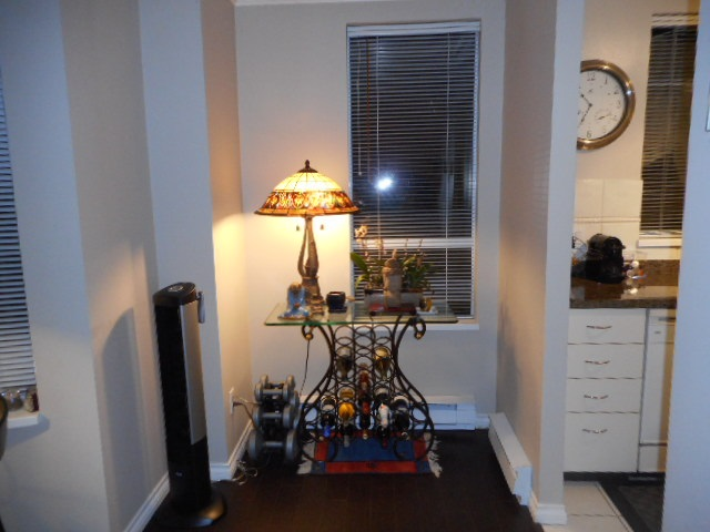 Condo Apartment at 201 7760 GRANVILLE AVENUE, Unit 201, Richmond, British Columbia. Image 3