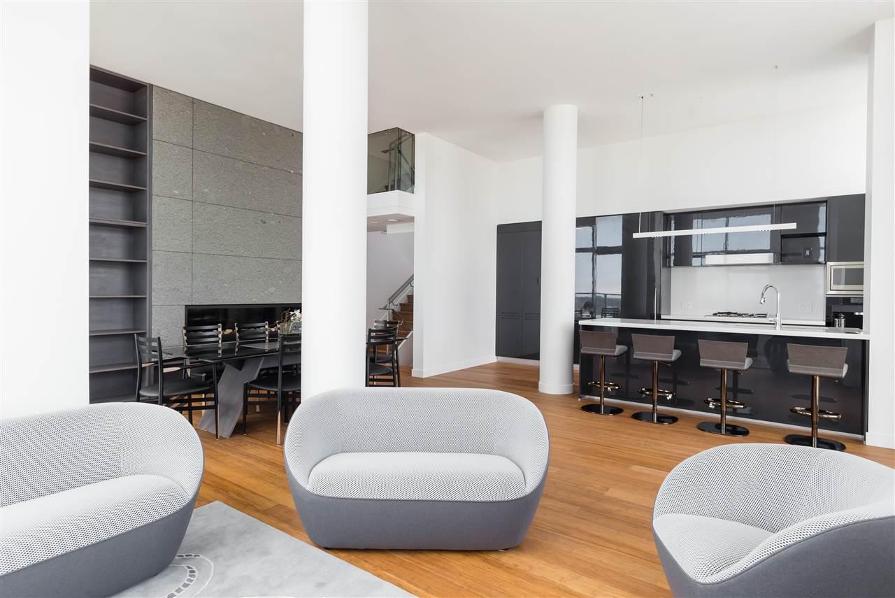 Condo Apartment at PH6 777 RICHARDS STREET, Unit PH6, Vancouver West, British Columbia. Image 4