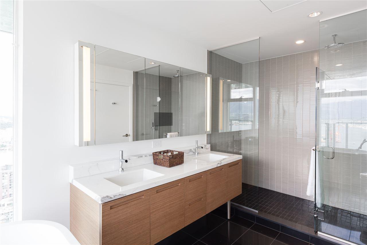 Condo Apartment at PH6 777 RICHARDS STREET, Unit PH6, Vancouver West, British Columbia. Image 12