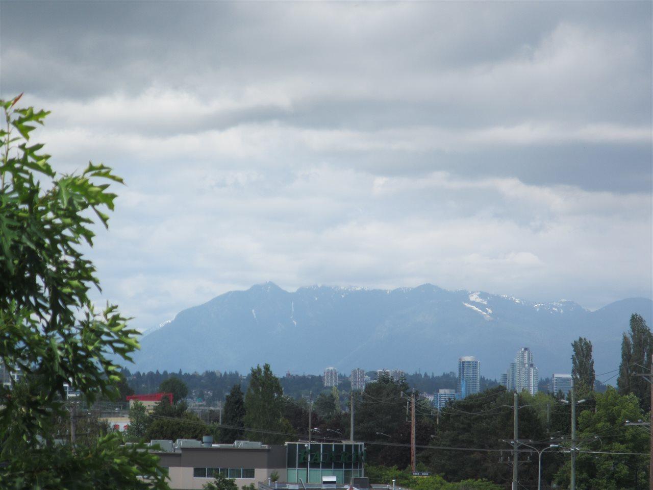 Condo Apartment at 1418 5115 GARDEN CITY ROAD, Unit 1418, Richmond, British Columbia. Image 2