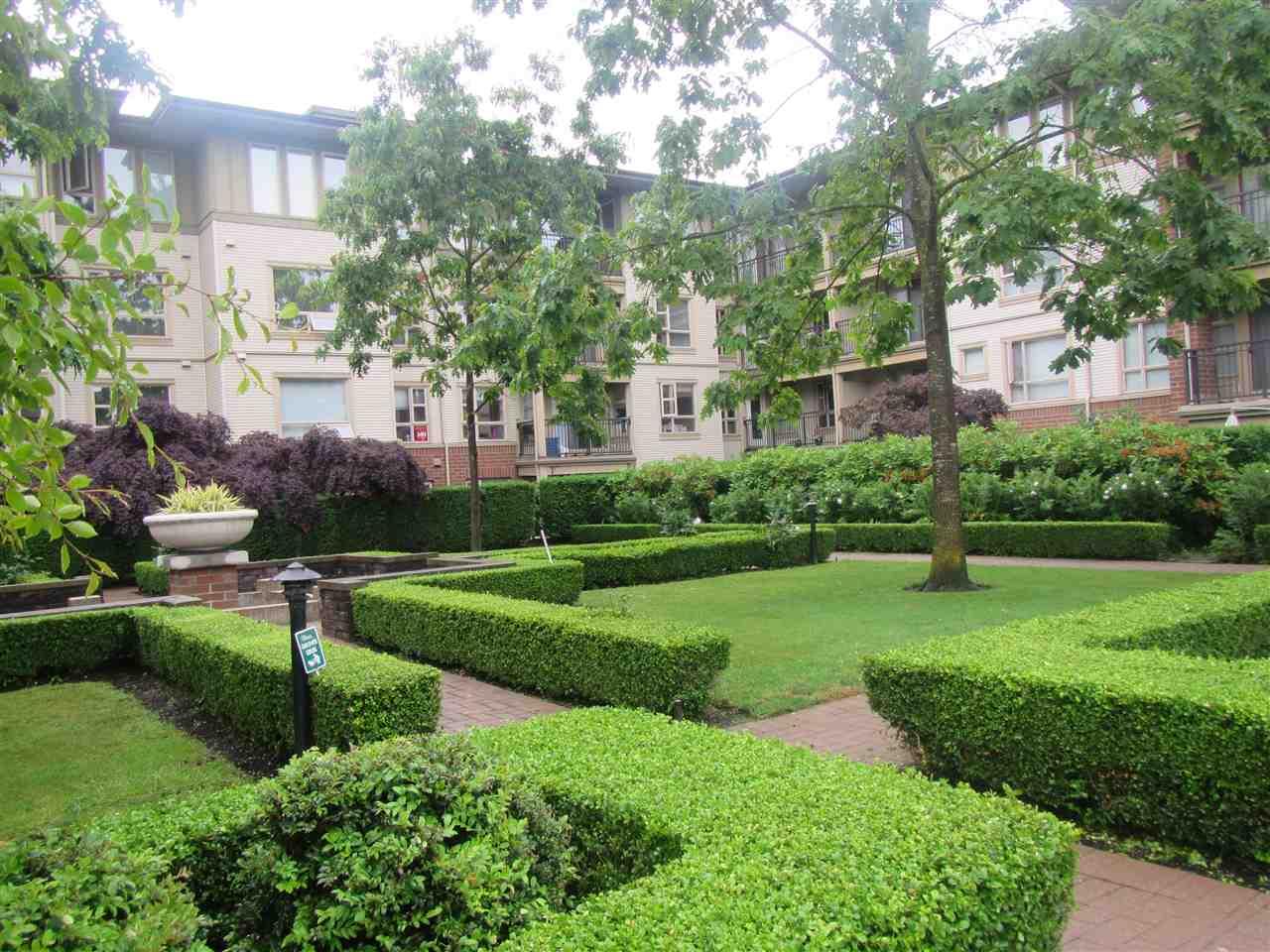 Condo Apartment at 1418 5115 GARDEN CITY ROAD, Unit 1418, Richmond, British Columbia. Image 3