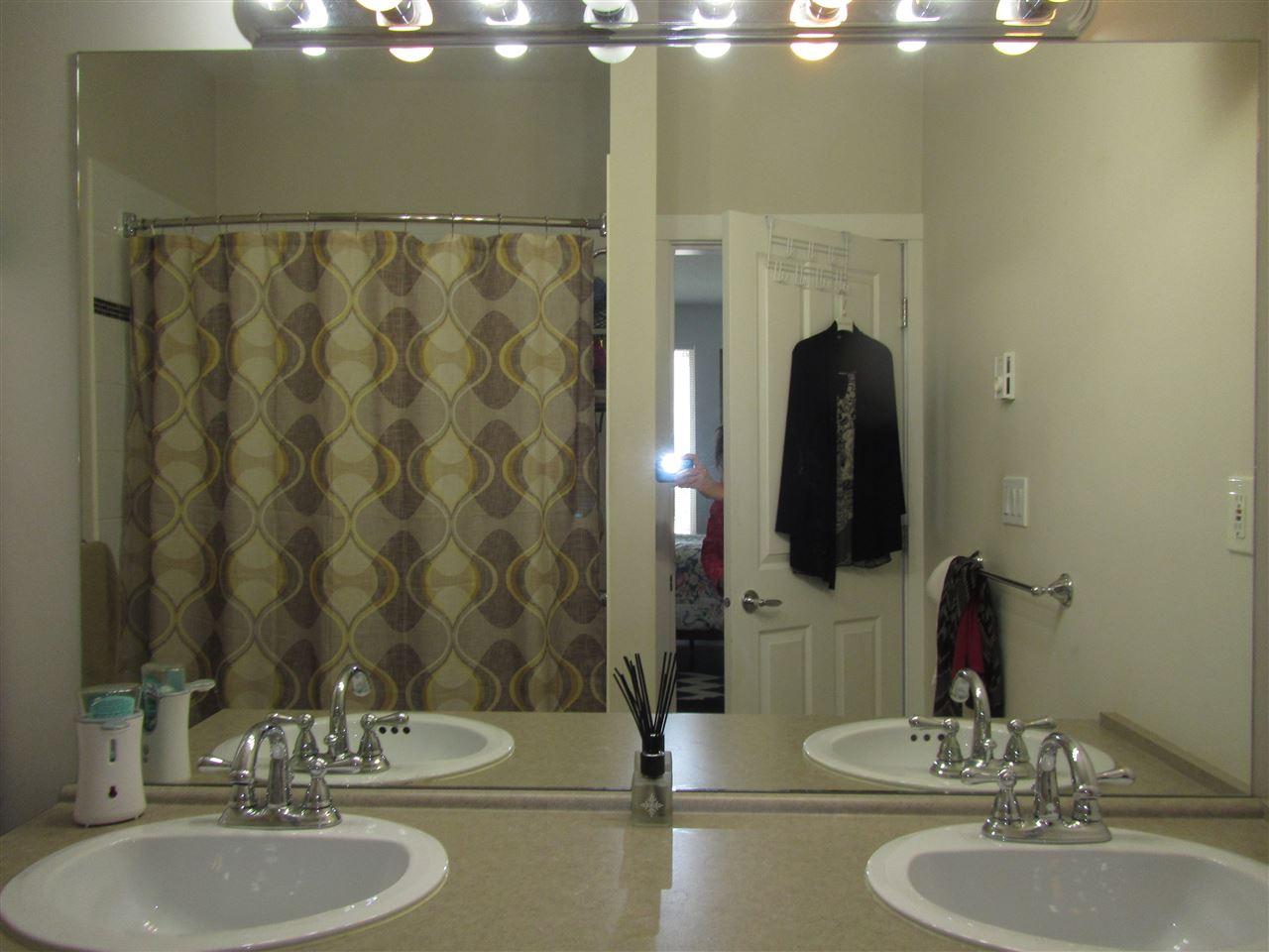 Condo Apartment at 1418 5115 GARDEN CITY ROAD, Unit 1418, Richmond, British Columbia. Image 7