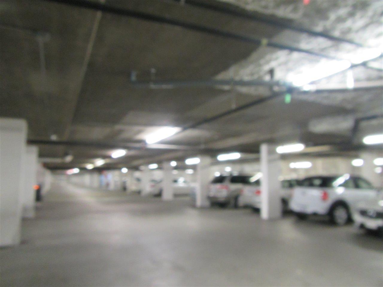 Condo Apartment at 1418 5115 GARDEN CITY ROAD, Unit 1418, Richmond, British Columbia. Image 11