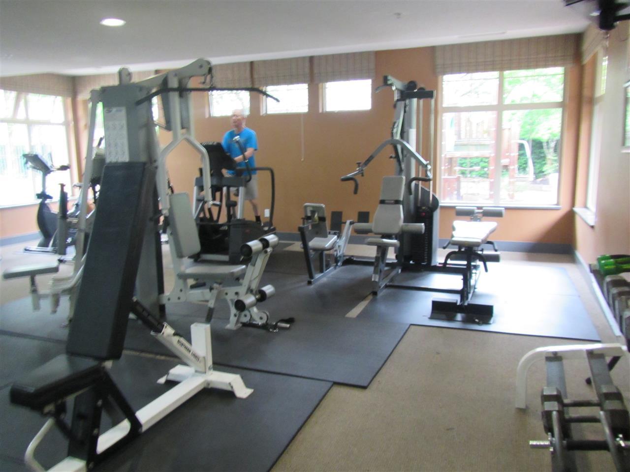 Condo Apartment at 1418 5115 GARDEN CITY ROAD, Unit 1418, Richmond, British Columbia. Image 15