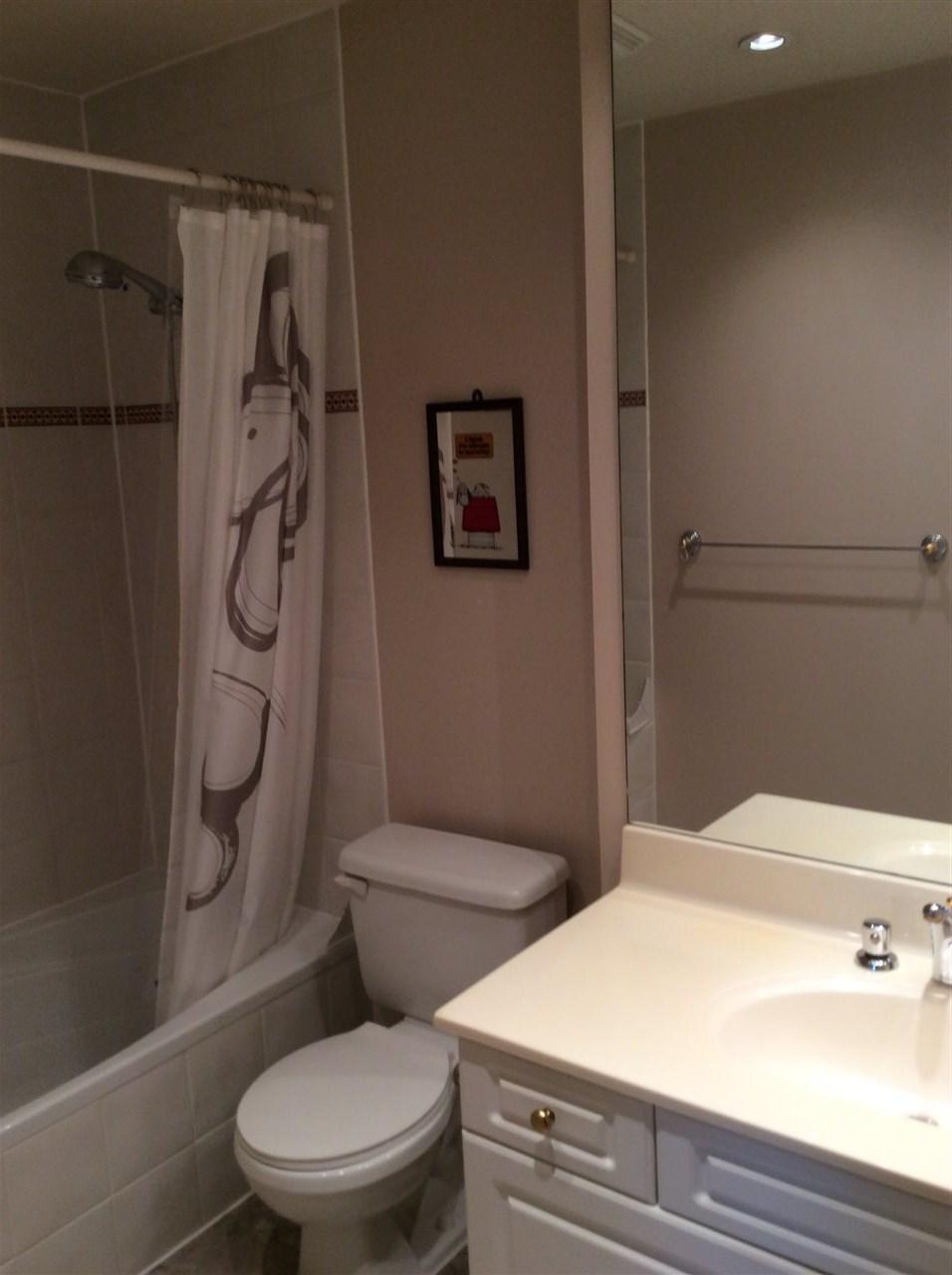 Condo Apartment at 124 12931 RAILWAY AVENUE, Unit 124, Richmond, British Columbia. Image 11