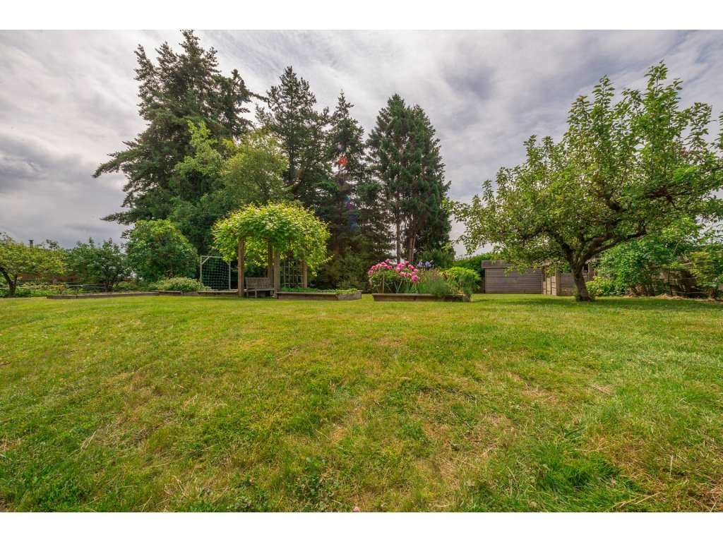 Detached at 14210 MALABAR AVENUE, South Surrey White Rock, British Columbia. Image 20
