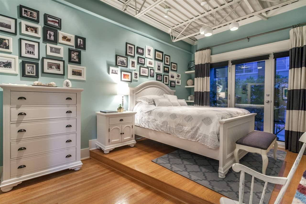 Condo Apartment at PH501 1230 HAMILTON STREET, Unit PH501, Vancouver West, British Columbia. Image 18