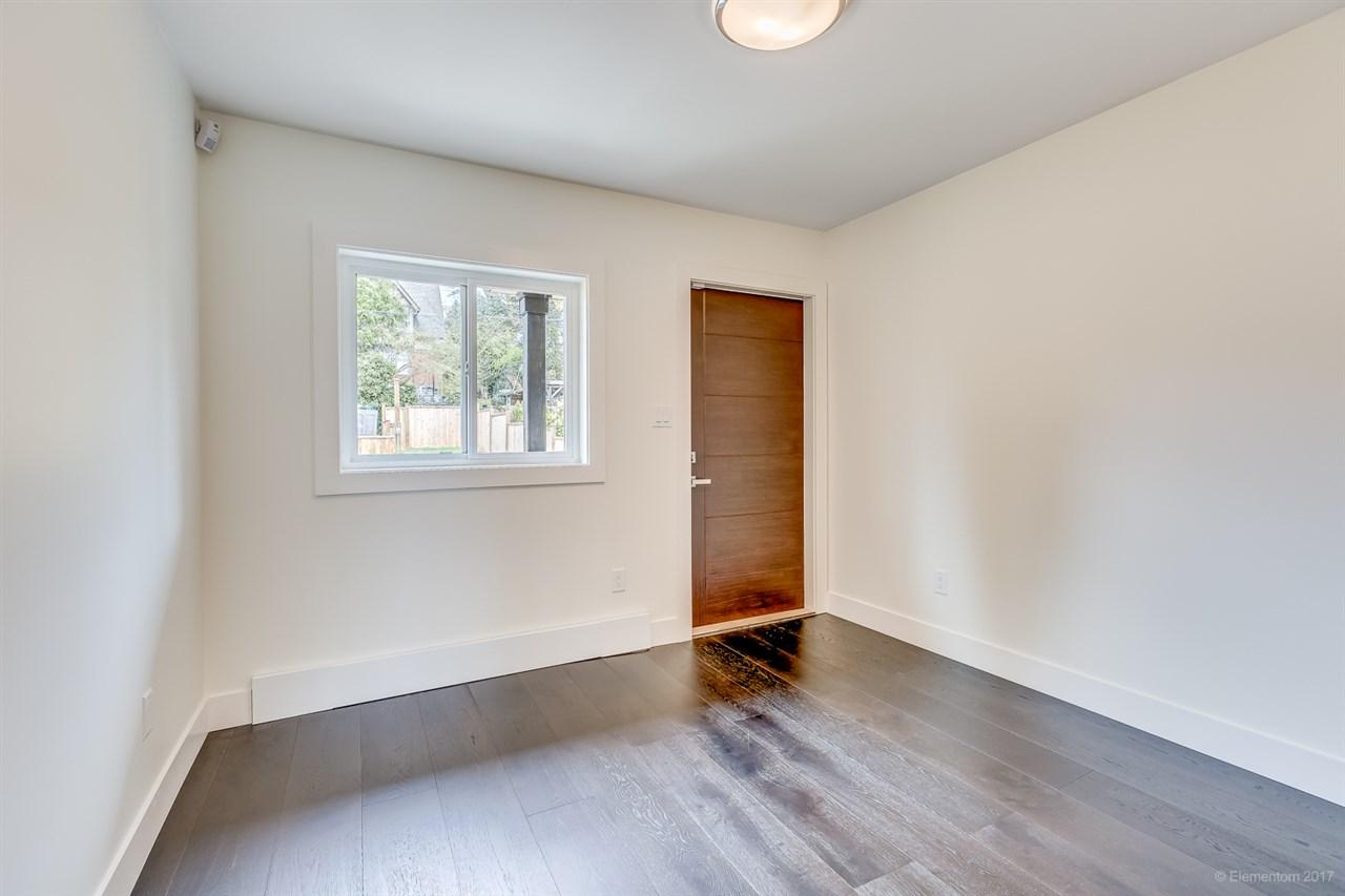 Half-duplex at 384 E 4TH STREET, North Vancouver, British Columbia. Image 8