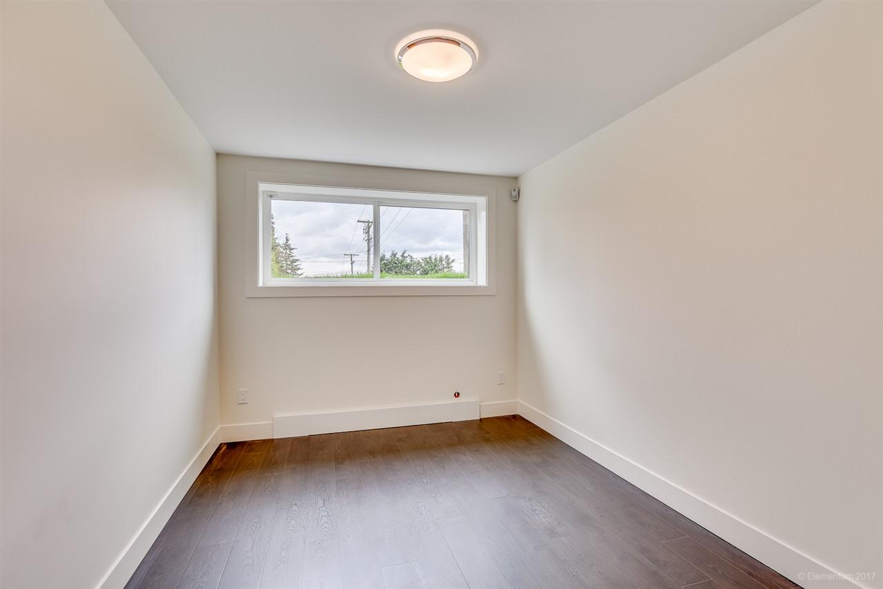 Half-duplex at 384 E 4TH STREET, North Vancouver, British Columbia. Image 11