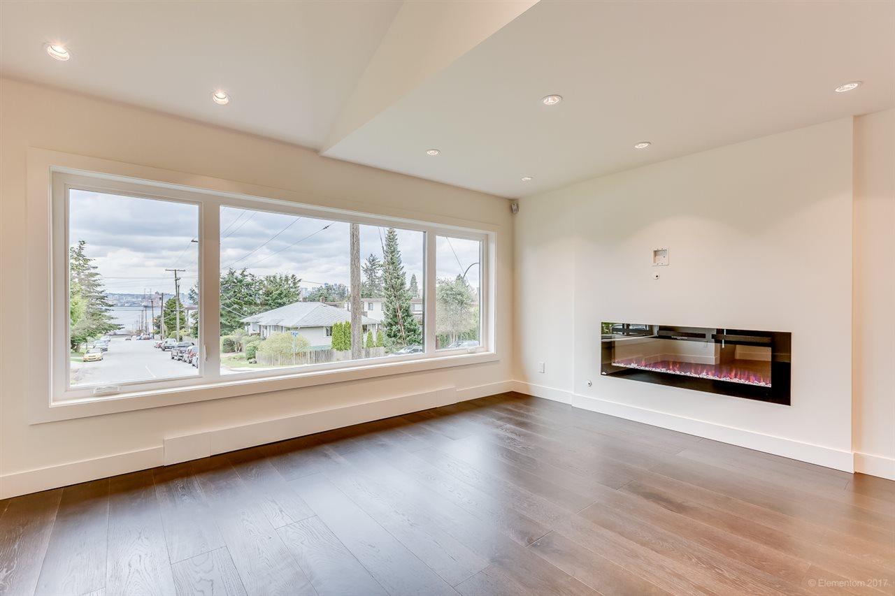 Half-duplex at 384 E 4TH STREET, North Vancouver, British Columbia. Image 15