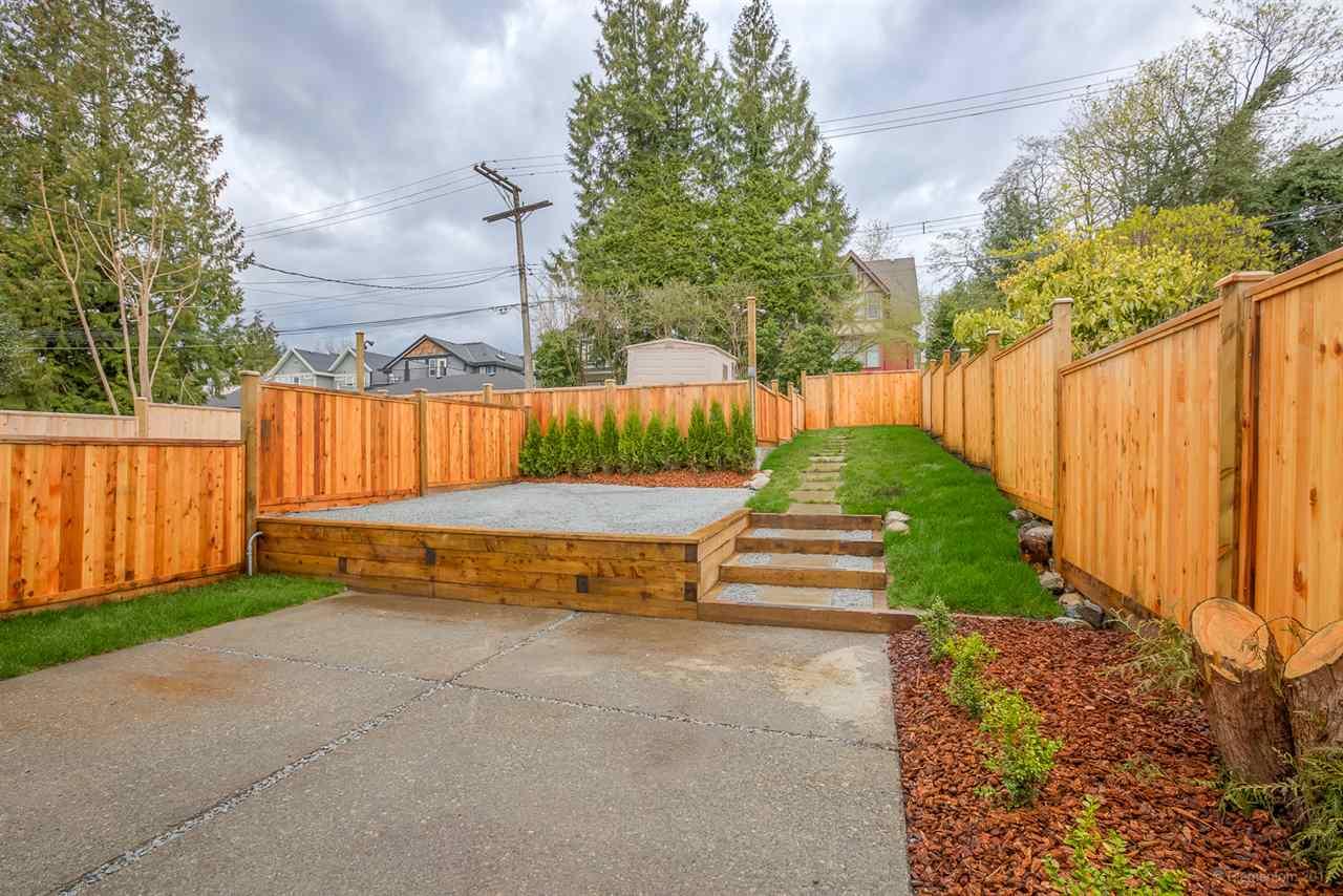 Half-duplex at 384 E 4TH STREET, North Vancouver, British Columbia. Image 17
