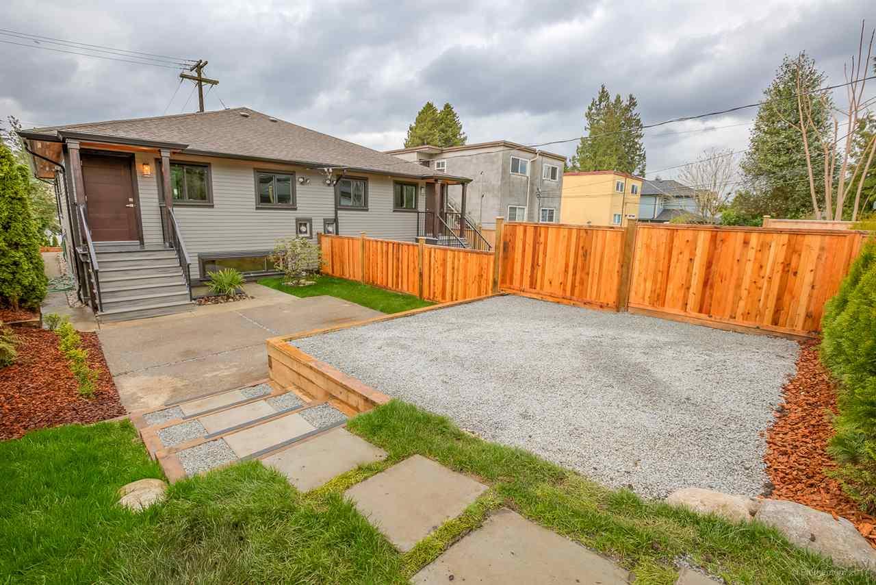 Half-duplex at 384 E 4TH STREET, North Vancouver, British Columbia. Image 20