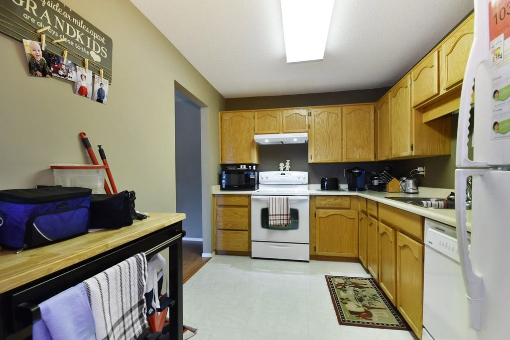 Condo Apartment at 103 31850 UNION AVENUE, Unit 103, Abbotsford, British Columbia. Image 9
