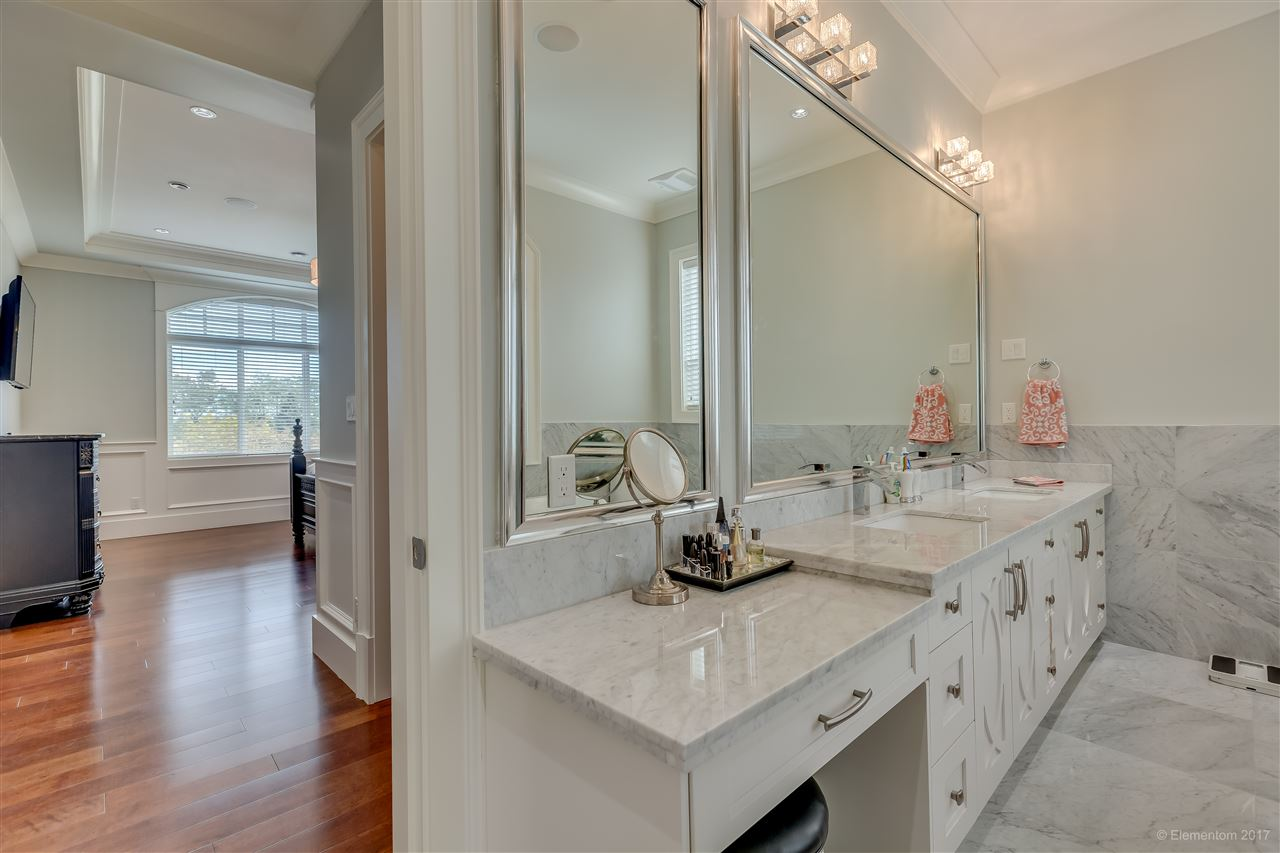 Detached at 3749 PORTLAND STREET, Burnaby South, British Columbia. Image 16