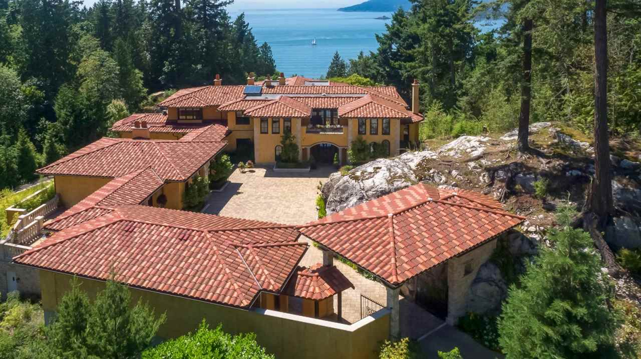 Detached at 5050 HAPPY VALLEY LANE, West Vancouver, British Columbia. Image 20