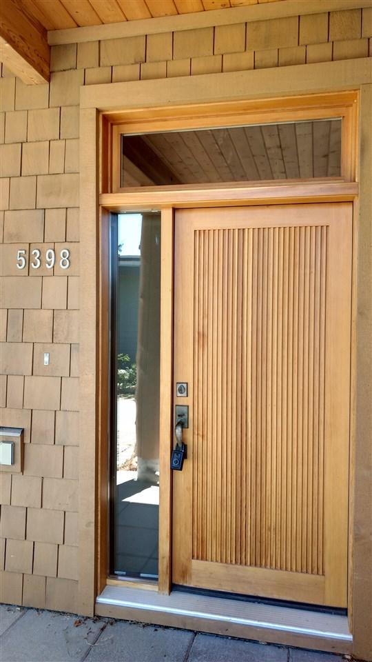 Townhouse at 5398 WAKEFIELD BEACH LANE, Sunshine Coast, British Columbia. Image 3