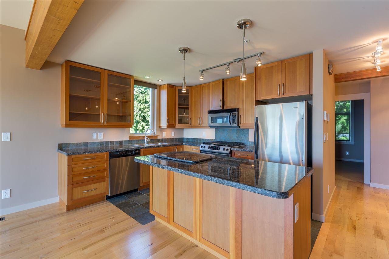 Townhouse at 5398 WAKEFIELD BEACH LANE, Sunshine Coast, British Columbia. Image 5
