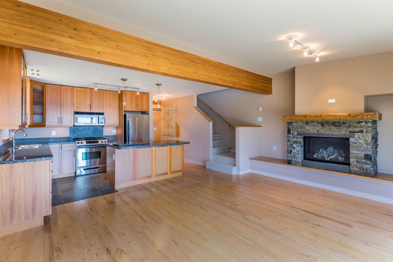 Townhouse at 5398 WAKEFIELD BEACH LANE, Sunshine Coast, British Columbia. Image 7
