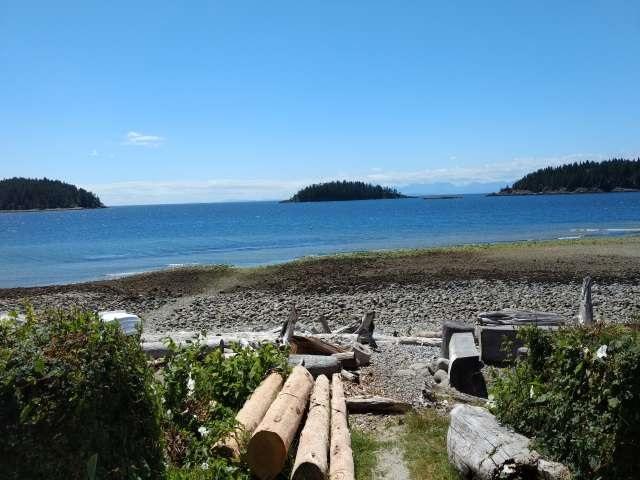 Townhouse at 5398 WAKEFIELD BEACH LANE, Sunshine Coast, British Columbia. Image 15