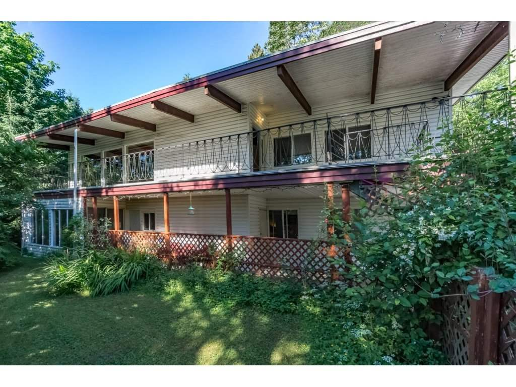 Detached at 10588 125B STREET, North Surrey, British Columbia. Image 2