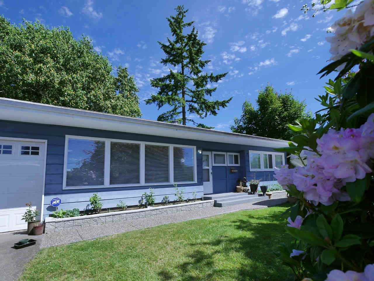 Detached at 10316 127 STREET, North Surrey, British Columbia. Image 1