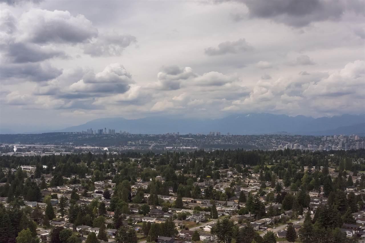 Condo Apartment at 3701 11967 80 AVENUE, Unit 3701, N. Delta, British Columbia. Image 4