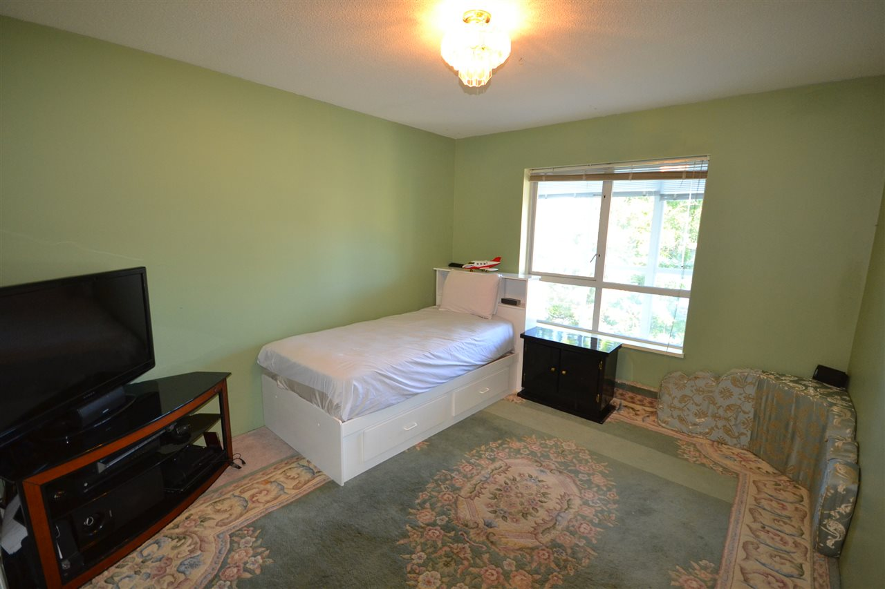 Condo Apartment at 401 3488 VANNESS AVENUE, Unit 401, Vancouver East, British Columbia. Image 12