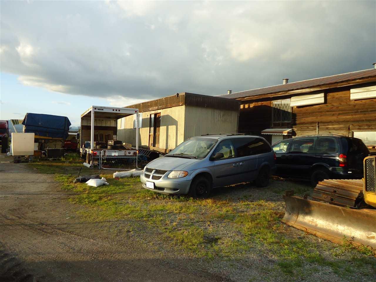 Detached at 33629 CLAYBURN ROAD, Abbotsford, British Columbia. Image 13