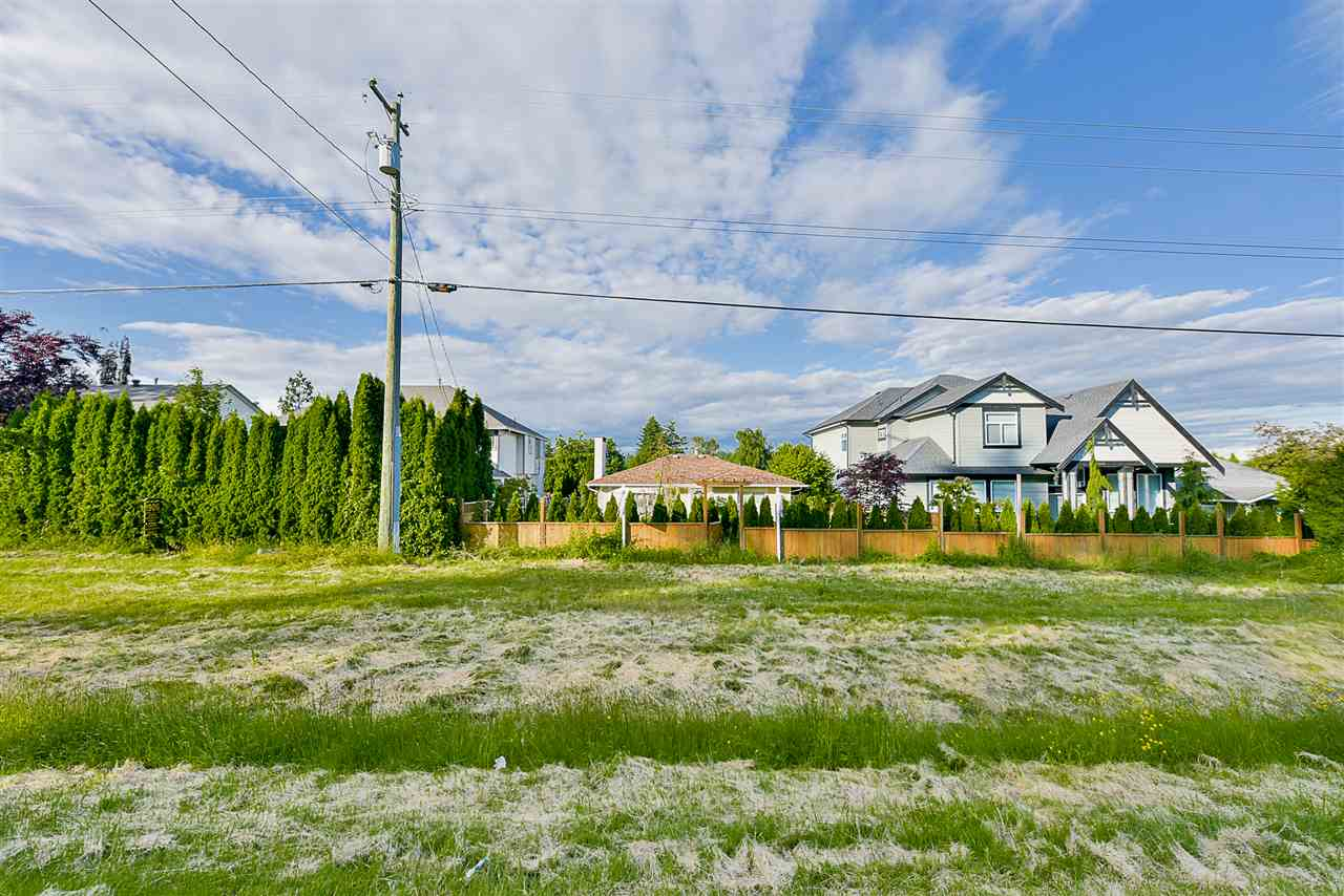 Detached at 1898 KING GEORGE BOULEVARD, South Surrey White Rock, British Columbia. Image 2