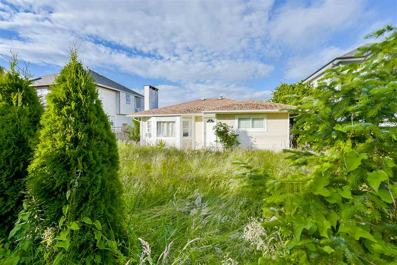 Detached at 1898 KING GEORGE BOULEVARD, South Surrey White Rock, British Columbia. Image 3