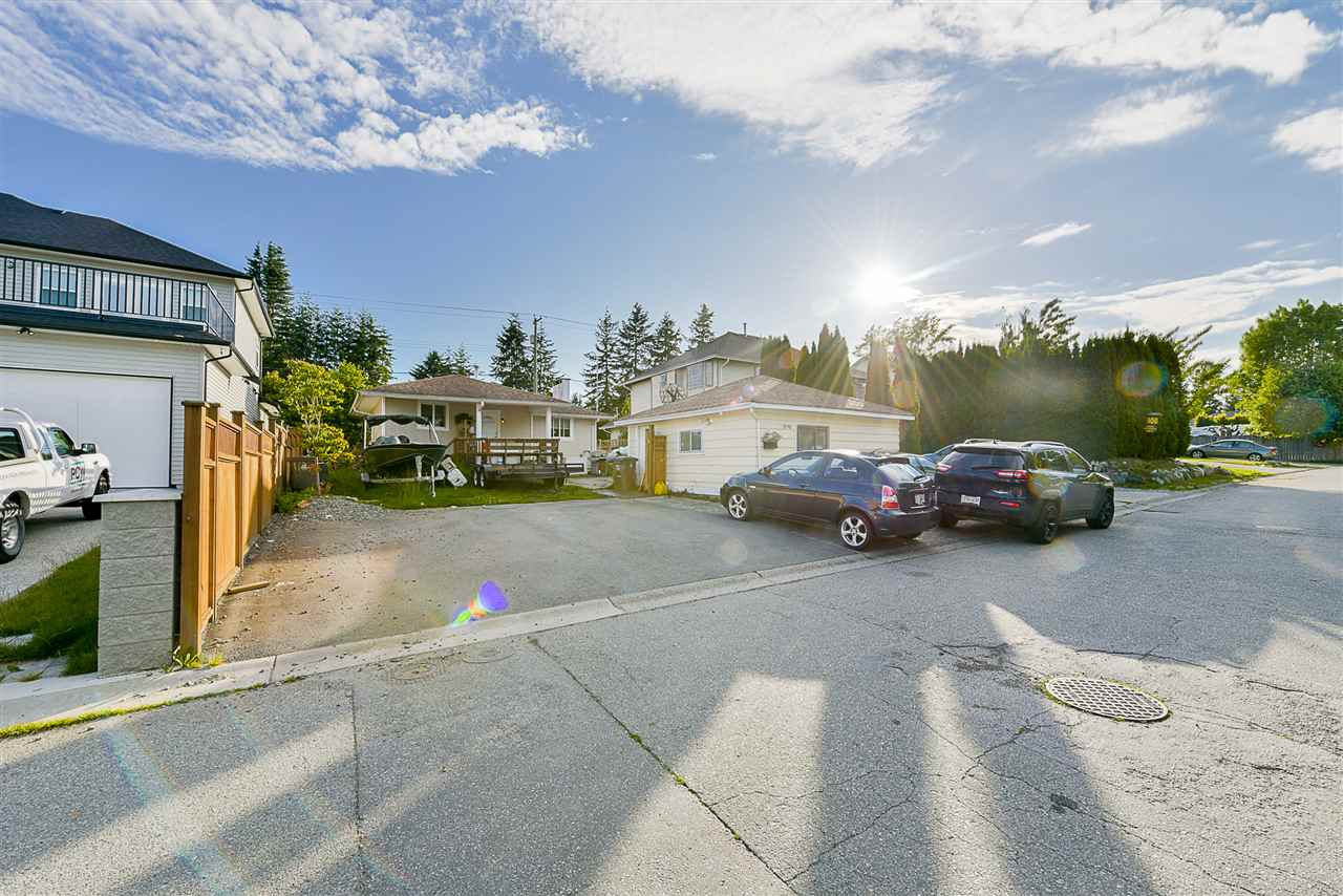 Detached at 1898 KING GEORGE BOULEVARD, South Surrey White Rock, British Columbia. Image 4