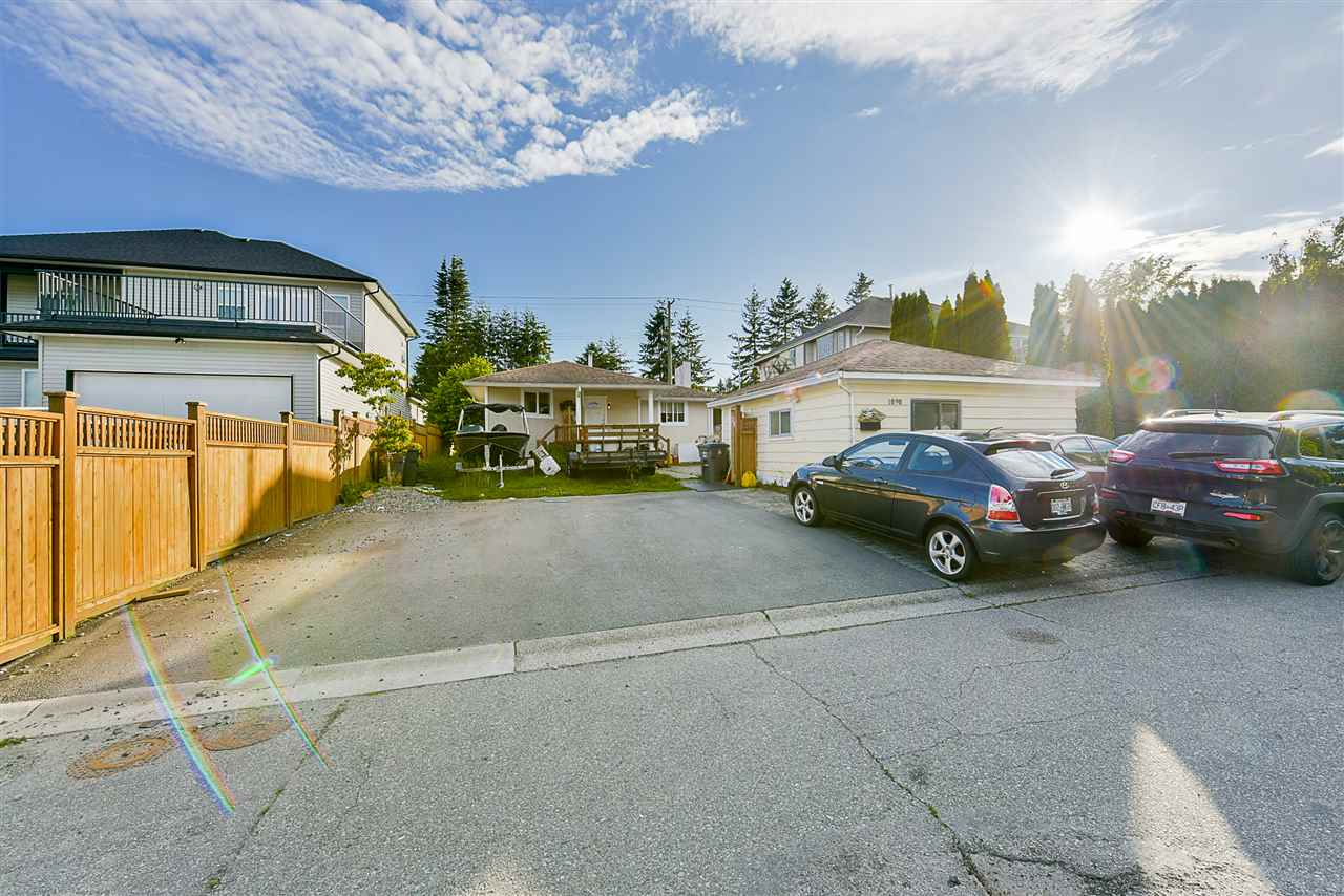 Detached at 1898 KING GEORGE BOULEVARD, South Surrey White Rock, British Columbia. Image 5