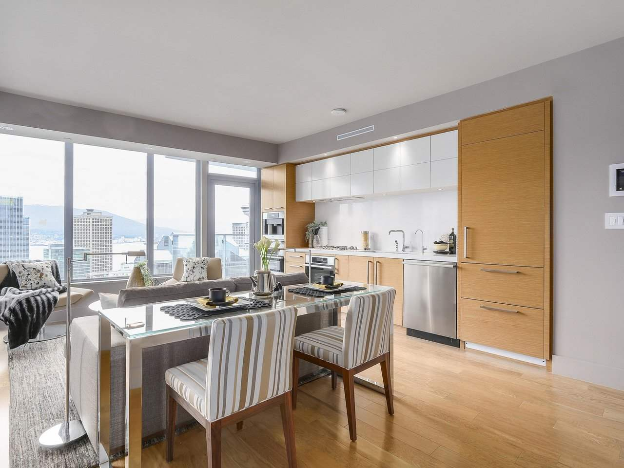 Condo Apartment at 2703 667 HOWE STREET, Unit 2703, Vancouver West, British Columbia. Image 6