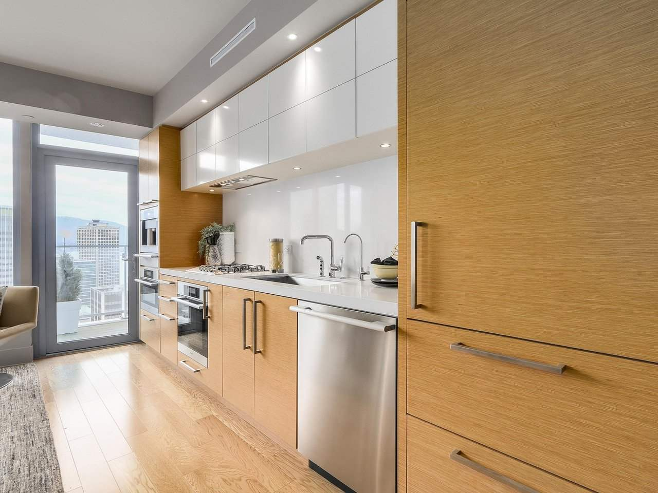 Condo Apartment at 2703 667 HOWE STREET, Unit 2703, Vancouver West, British Columbia. Image 9