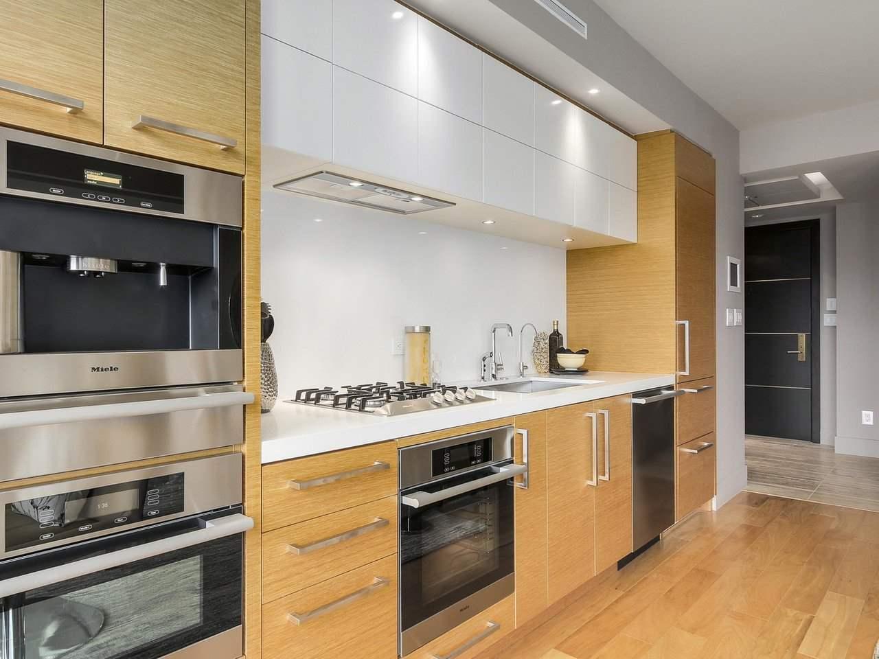 Condo Apartment at 2703 667 HOWE STREET, Unit 2703, Vancouver West, British Columbia. Image 10