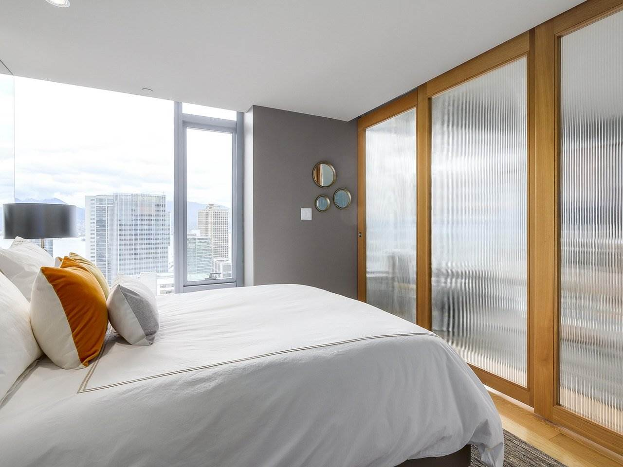 Condo Apartment at 2703 667 HOWE STREET, Unit 2703, Vancouver West, British Columbia. Image 13