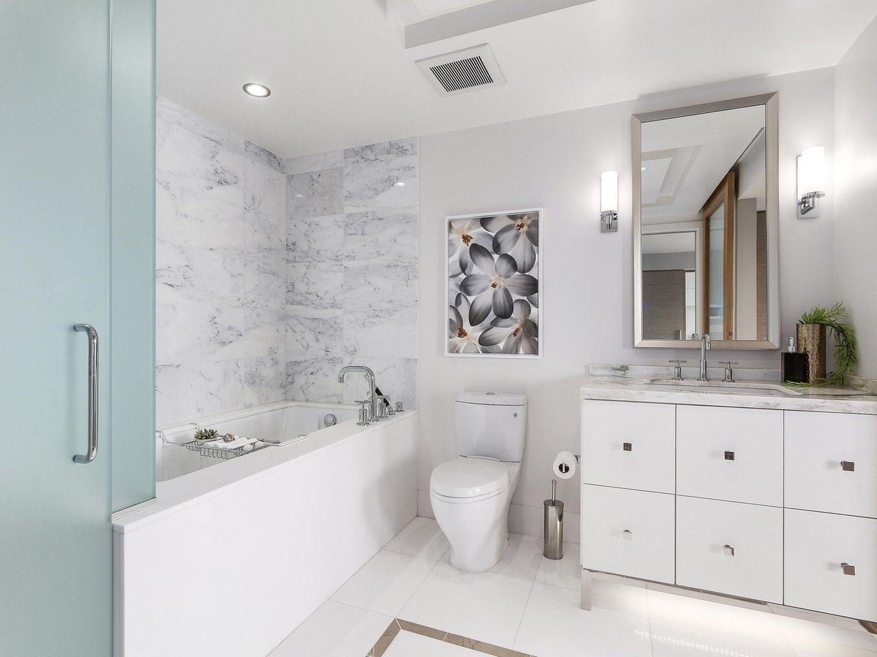 Condo Apartment at 2703 667 HOWE STREET, Unit 2703, Vancouver West, British Columbia. Image 14