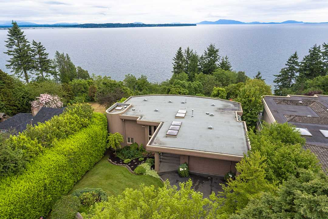 Detached at 13976 TERRY ROAD, South Surrey White Rock, British Columbia. Image 1