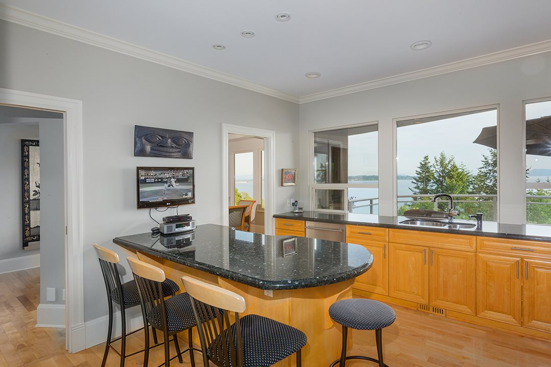 Detached at 13976 TERRY ROAD, South Surrey White Rock, British Columbia. Image 14