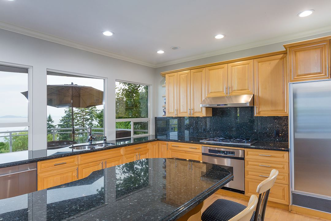 Detached at 13976 TERRY ROAD, South Surrey White Rock, British Columbia. Image 15