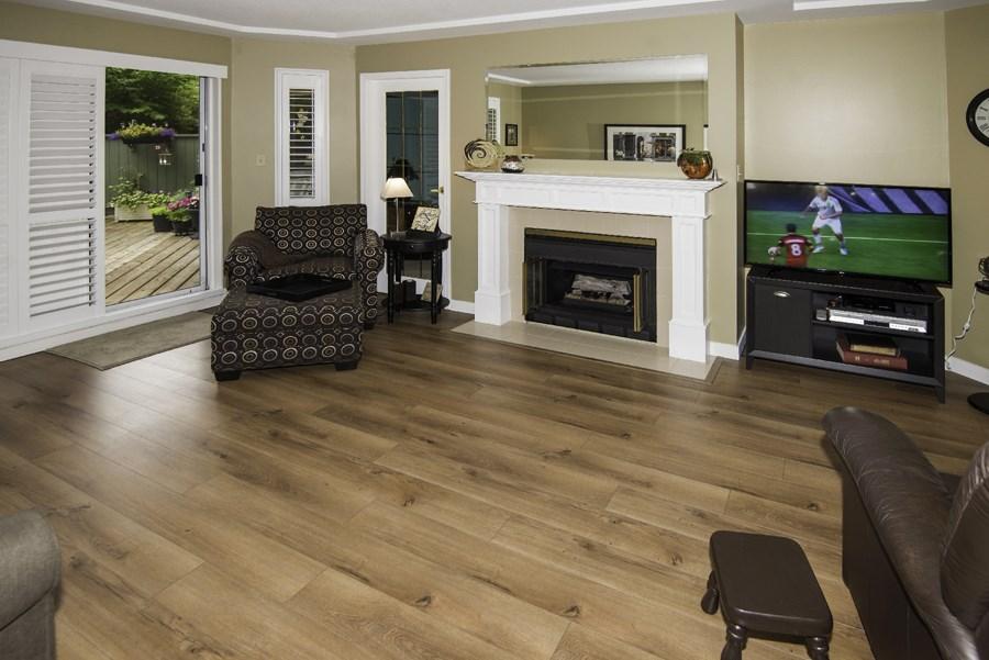 Condo Apartment at 160 8600 LANSDOWNE ROAD, Unit 160, Richmond, British Columbia. Image 2