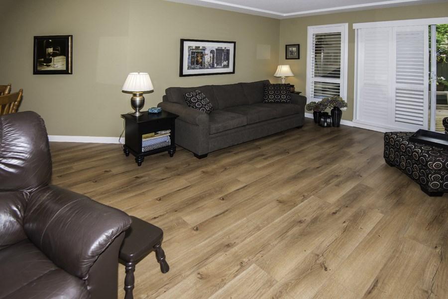 Condo Apartment at 160 8600 LANSDOWNE ROAD, Unit 160, Richmond, British Columbia. Image 3