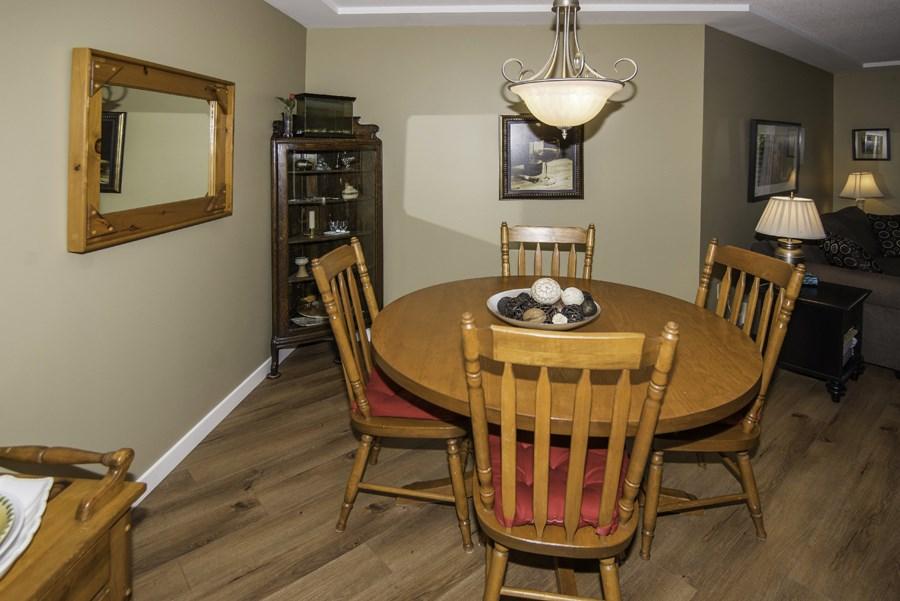 Condo Apartment at 160 8600 LANSDOWNE ROAD, Unit 160, Richmond, British Columbia. Image 4
