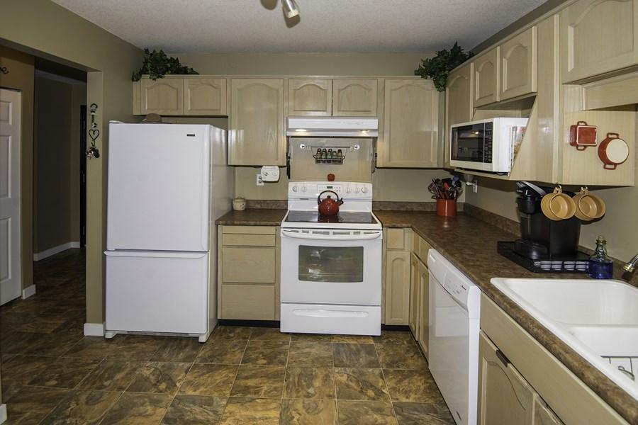 Condo Apartment at 160 8600 LANSDOWNE ROAD, Unit 160, Richmond, British Columbia. Image 6