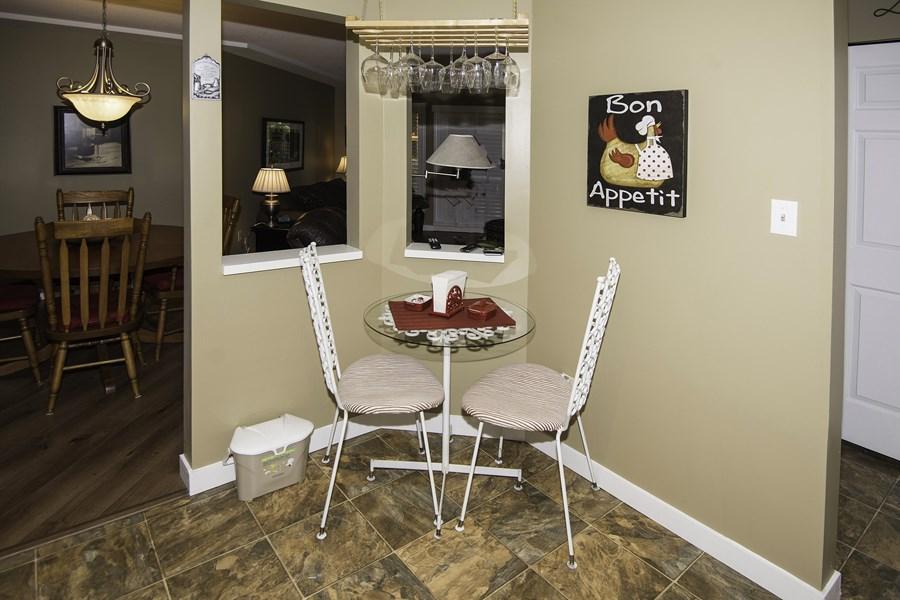 Condo Apartment at 160 8600 LANSDOWNE ROAD, Unit 160, Richmond, British Columbia. Image 7
