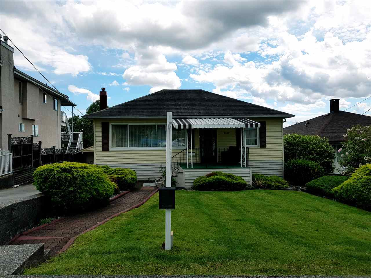 Detached at 3912 NAPIER STREET, Burnaby North, British Columbia. Image 1